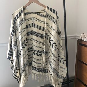 American Eagle Outfitters Sweaters - American Eagle Poncho Wrap